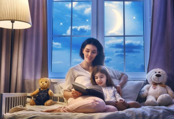 Mother Daughter Reading Kids Bedtime Stories Book